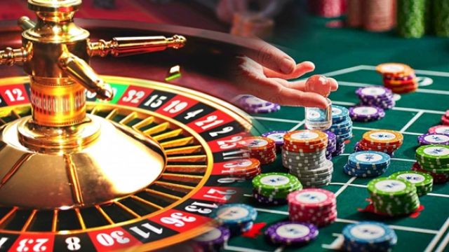 Slots in Online Casinos and Land-Based Casinos
