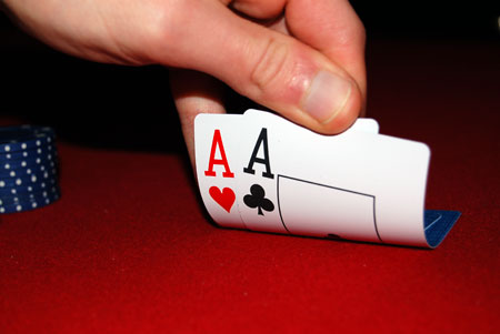 HOW TO PLAY IN IDN POKER